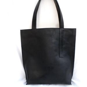 TOTE BAG bőr táska, Táska, Divat & Szépség, Táska, Válltáska, oldaltáska, Letisztult minnimál megjelenésű, marhabőr fekete nagy táska, kényelmes pakolható.   Méretek:  Magass..., Meska