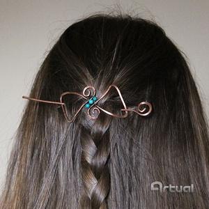 Masni kézműves réz hajcsat türkiz gyöngyökkel, Ruha & Divat, Hajdísz & Hajcsat, Hajcsat & Hajtű, Ékszerkészítés, Fémmegmunkálás, Kézműves vörösréz drótból hajlított masni formájú hajcsat + tű. Brossnak is használható laza szövésű..., Meska