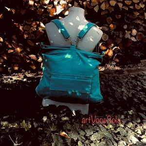 Égig érő Hátizsák-táska, Táska & Tok, Variálható táska, Variálható hátizsák-táska mérete : 42cm x 35 cm ,cipzár hossza 34cm,belső zseb 20cm x 19 cm. Külső z..., Meska