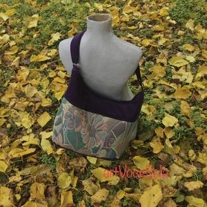 Lila dúdoló Táska, Táska & Tok, Kézitáska & válltáska, Vállon átvethető táska, Táska állítható pánttal 123 cm x4 cm,magassága 26 cm, szélesség 52 cm. A4-es méretű tárgyak könnyedé..., Meska