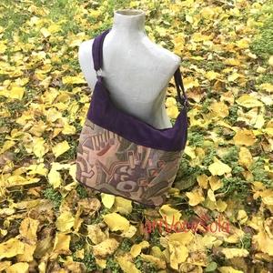 Lila utazás Táska, Táska & Tok, Kézitáska & válltáska, Vállon átvethető táska, Táska állítható pánttal 123 cm x4 cm,magassága 26 cm, szélesség 52 cm. A4-es méretű tárgyak könnyedé..., Meska