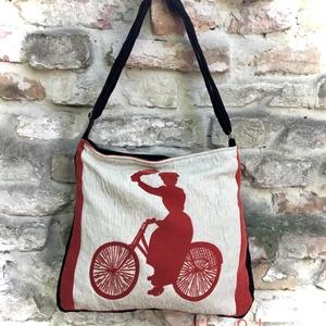 Kerékpározó hölgy Táska, Vállon átvethető táska, Kézitáska & válltáska, Táska & Tok, Varrás, Női táska mérete: 42cm x 35cm,cipzár hossza 34cm,belső zseb 20 cm x 19 cm.\nÁllítható pánt 4cm x 130c..., Meska
