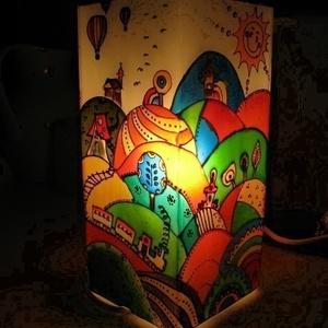 """Hőlégballon Meselámpa  - festett üveg hangulatlámpa, gyereklámpa, Gyerek & játék, Gyerekszoba, Lakberendezés, Otthon & lakás, Lámpa, Üvegművészet, Festett tárgyak, Hőlégballon Meselámpa  - festett üveg hangulatlámpa, gyereklámpa\n\n\""""Sihuhu-sihhuhhhu...kanyargott a k..., Meska"""