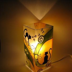 Szerelmes cicák meselámpa sárga színkombinációban, festett üveg hangulat világítás, Lakberendezés, Otthon & lakás, Lámpa, Esküvő, Nászajándék, Ballagás, Ünnepi dekoráció, Dekoráció, Üvegművészet, Festett tárgyak, Szerelmes cicák meselámpa sárga színkombinációban, festett üveg hangulat világítás\n\n Szokták mondani..., Meska