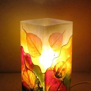 Ősz, hangulat - festett üveg dekor lámpa, Lakberendezés, Otthon & lakás, Lámpa, Hangulatlámpa, Festett tárgyak, Üvegművészet, Ősz, hangulat - festett üveg dekor lámpa\n\nErdő a nappaliban.....Az ősz színei ihlették ezt a különle..., Meska