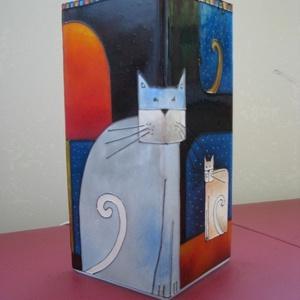 Cica, Amorf macskák - festett üveg hangulatlámpa, Lakberendezés, Otthon & lakás, Lámpa, Gyerek & játék, Üvegművészet, Festett tárgyak, Cica, Amorf macskák - festett üveg hangulatlámpa\n----------------------\nEgy rajzfilmben látott színe..., Meska