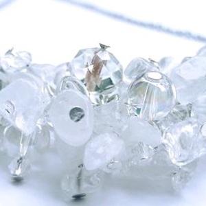 Hegyikristály Zuhatag nyaklánc, Ékszer, Nyaklánc, Ékszerkészítés, A nyaklánc Hegyikristály ásvánnyal és csiszolt üveggyönggyel készült. A szerelékek nikkelmentesek, a..., Meska
