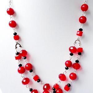 Piros Jade Többsoros nyaklánc, Párhuzamos nyaklánc, Nyaklánc, Ékszer, Ékszerkészítés, Piros Jade Többsoros nyaklánc,Jade ásvánnyal, csiszolt üveggyönggyel, nikkelmentes szerelékkel és ac..., Meska