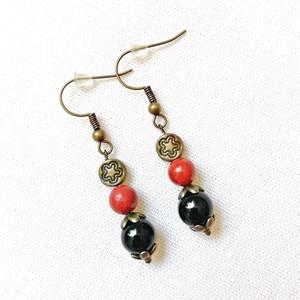 Éjszaka - ónix - jáspis ásványfülbevaló, féldrágakő ásvány fülbevaló, egyedi fekete - piros fülbevaló - Meska.hu