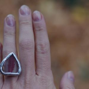 FAUN őszi leveles üveg gyűrű, ezüstözve, egyedi karácsonyi ajándék, természet szeretőnek, szív formában (aTinYTrIPglassart) - Meska.hu
