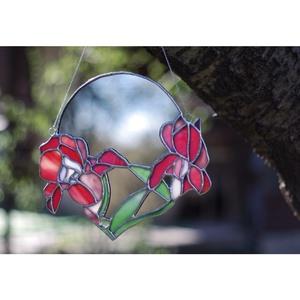 IRIS virágos fali tükör, színes virág motívumokkal, ólomüveg fali dísz az otthonunkba, kör alakú, Otthon & lakás, Lakberendezés, Dekoráció, Dísz, Kép, Falikép, Üvegművészet, I R I S virágos tükör ✨ Csempésszünk egy kis természetet az otthonunkba ezzel a virágos fali tükörre..., Meska