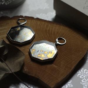 Különleges üveg fülbevaló antik tükörrel, fenntartható, oktagon forma, minimal, természetbarát, fenntartható barátság - Meska.hu