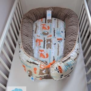 Erdei állatos babafészek , Gyerek & játék, Baba-mama kellék, Gyerekszoba, Gyerekbútor, Varrás, A képeken látható fészek fekvőfelületében 2 cm vlies réteg gondoskodik a baba kényelméről. A fekvőfe..., Meska