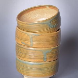 Kerámia japános teáscsésze készlet, 4 db , Otthon & lakás, Lakberendezés, Konyhafelszerelés, Bögre, csésze, Törtfehér kőagyagból készült, magastűzön (1210 fokon) tömörre égetett csészék. Külsejük a törtfehér ..., Meska