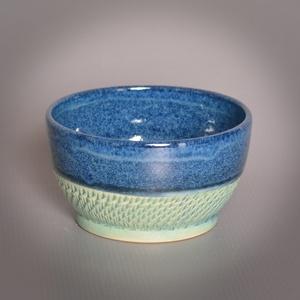 Kerámia  japános teáscsésze (kék-türkiz3), Otthon & lakás, Lakberendezés, Konyhafelszerelés, Bögre, csésze, Fehér kőagyagból készült, magastűzön (1210 fokon) tömörre égetett csésze. A mindennapos használatot ..., Meska