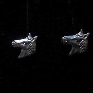 ló fülbevaló, Pötty fülbevaló, Fülbevaló, Ékszer, Ékszerkészítés, Ötvös, 925-ös ezüstből készítettem ezt a mini ló bedugós fülbevalót\n-itt nem készült tükörkép\n egyenként is..., Meska