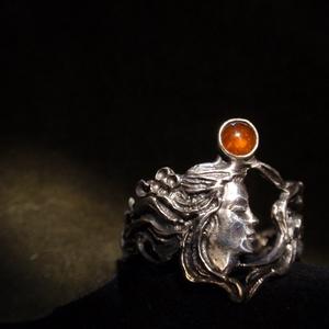 Gránátos szecessziós nőifejes-indás gyűrű-, Ékszer, Ötvös, Fémmegmunkálás, Meska