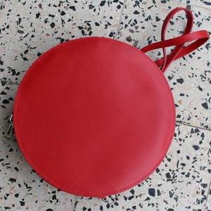 """Lulla hátizsák és válltáska, Táska & Tok, Variálható táska, Bőrművesség, A Lulla táska kollekciónál az egyik legősibb szimbólumot, a """"kör"""" alakot vettem alapul. A kör többek..., Meska"""