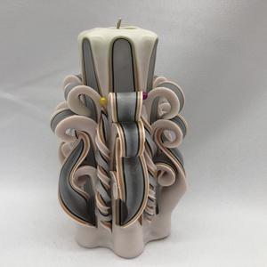 Modell, Egyéb, Gyertya-, mécseskészítés, A képen látható faragott gyertya 12 cm-es.\nA paraffint megfelelő hőmérsékletre kell hevíteni így ker..., Meska