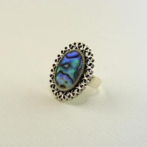 Avalone gyűrű, Ékszer, Gyűrű, Az avalone gyűrűt egy egész darab abalone kagylóból készítettem, ezüstös színű foglaltba formáltam é..., Meska