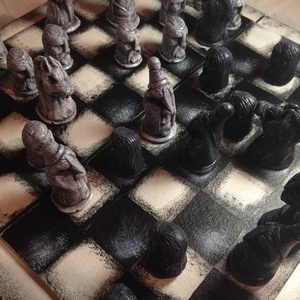 Kézzel faragott sakk készlet, Játék, Gyerek & játék, Társasjáték, Kerámia, Az eredeti sakkfigurák agyagból lettek kifaragva, utána öntőforma készült belőlük. A sakkfigurák kid..., Meska