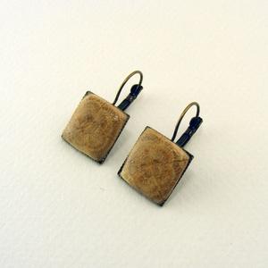 Ligna muoki fülbevaló, Ékszer, Fülbevaló, Antikolt tölgyfából készült, négyzet alakú fülbevalópár, bronz színű akasztókkal. -dísz mérete: 15x1..., Meska
