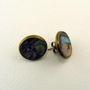 Avalone bedugós fülbevaló, Ékszer, Fülbevaló, Avalone kagylóból készített, kör alakú fülbevalódísz, bronz színű foglalatban. -dísz mérete: 12mm át..., Meska