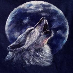 Farkas pólóra, Ruha & Divat, Férfi ruha, Póló, Festészet, Varrás, Ezt a farkast a fiamnak csináltam egy kék pizsamájára. A pizsamát is én varrtam. A képek csak mutató..., Meska