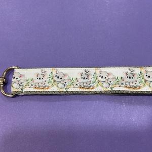 Kulcstartó, Táska & Tok, Kulcstartó & Táskadísz, Kulcstartó, 25 mm széles hevederből és 22 mm szèles grosgain szalagból készítettem a kulcstartót. Hossza 15 cm. ..., Meska