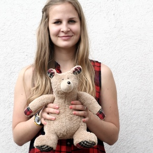 Barna Plüssmackó, Maci, Plüssállat & Játékfigura, Játék & Gyerek, Baba-és bábkészítés, Varrás, Ez a kis barna medve különösen puha és ölelni való. 25 cm magas. Anyaga nagyon puha barna Wellsoft, ..., Meska