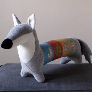 Farkas vagy Kutya, Személyre szabott, különlegesen hosszú plüss ragadozó, Kutya, Plüssállat & Játékfigura, Játék & Gyerek, Baba-és bábkészítés, Varrás, Ez a kedves plüss farkas (vagy husky, vagy amit akarsz) egyedileg készül. Hosszú testén elfér egy né..., Meska
