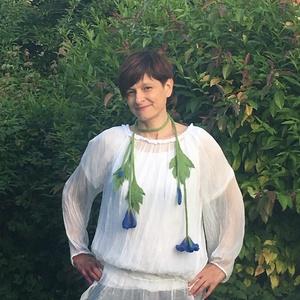 Kék virágos nemez nyakék, Ékszer, Nyaklánc, Hosszú nyaklánc, Nemezelés, Finom merinói gyapjúból készült virágos nyakék. , Meska