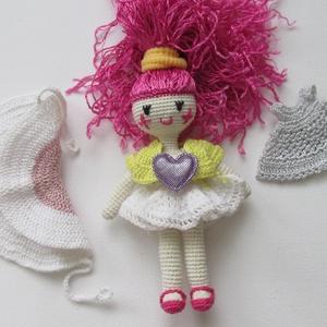 Hajnalka Aurélia - amigurumi baba - horgolt baba - horgolt öltöztetős baba - tündérbaba, Gyerek & játék, Játék, Gyerekszoba, Baba játék, Baba, babaház, Hajnalka szereti a hajnalt, vicces mosolygós baba nagy szívvel. Egy kívánságot is teljesít általam -..., Meska
