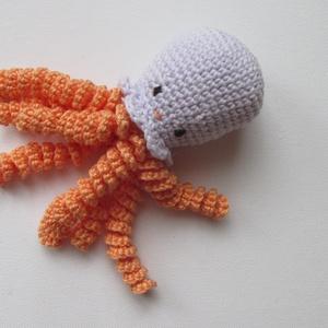 Baba játék - baby polip - amigurumi polip - horgolt polip, Gyerek & játék, Játék, Baba játék, Pici babák kezébe való huzigálható alvóka babypolip. Nem egészen a korip - azaz a koraszülötteknek v..., Meska