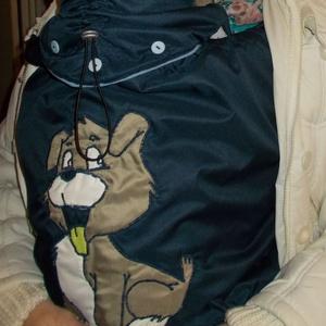 Babahordozós takaró, hurci takaró, kék  kutyus mintával, Táska, Divat & Szépség, Gyerekruha, Ruha, divat, Gyerek & játék, Baba (0-1év), Varrás, Patchwork, foltvarrás, Bababhordozós takaró, hurci takaró \n\nKétrétegű hordozós takaró, minden típusú hordozóeszközre, kendő..., Meska