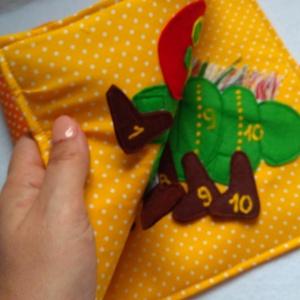 Számolós kukac - Csendeskönyvből egy oldal, okoskönyv, textilkönyv, babakönyv (Babam) - Meska.hu