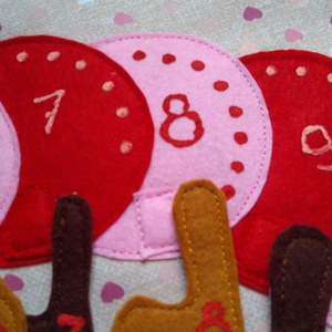 Számolós kukac Montessori játék- Csendeskönyvből egy oldal, okoskönyv, textilkönyv, babakönyv (Babam) - Meska.hu