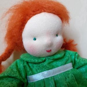 Vörös hajú waldorf baba, Gyerek & játék, Játék, Baba, babaház, Játékfigura, Baba-és bábkészítés, Varrás, Kislányod kedvence lehet ez a kedves, ölelgetni való baba. 37 cm magas.  Arca hímzett, teste  dupla ..., Meska