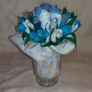 Kék baba csokor , Csokor & Virágdísz, Dekoráció, Otthon & Lakás, Papírművészet, Virágkötés, Ehhez a fiús csokorhoz 4 db előkét (hátoldaluk praktikus, vízhatlan anyagú) és 5 db újszülött pamut ..., Meska