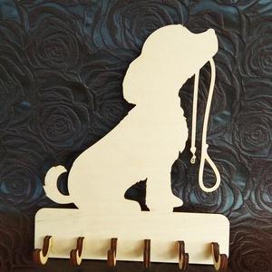 Fali kulcstartó, Otthon & Lakás, Bútor, Kulcstartó szekrény, Famegmunkálás, Lézervágott technikával készült fali kulcstartó. A termék mérete 25*20,5 cm., Meska