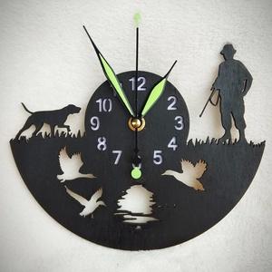 Vadászos óra, Otthon & lakás, Dekoráció, Dísz, Lakberendezés, Falióra, óra, Famegmunkálás, Lézervágott technikával készült óra. A termék méretei 21,5*17 cm, Meska