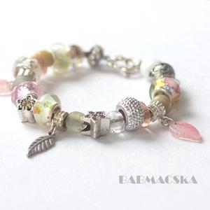 Vintage szerelem - Világos színekben pompázó Pandora stílusú charm karkötő - Meska.hu