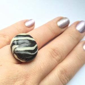 Zebra Gyűrű - ékszer - gyűrű - Meska.hu