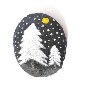 Téli kavics - Éjszakai havazás, Otthon & Lakás, Dekoráció, Kavics & Kő, Festett tárgyak, Kézzel festett téli kavics. \nRemek ajándékkísérő, de külön is lehet egy kis ajándék... :) \n A kavics..., Meska