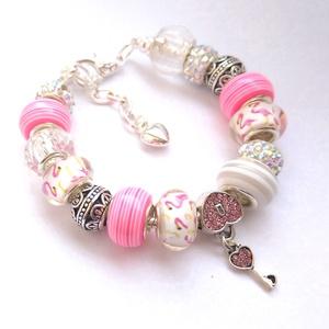 Rózsaszín és fehér csillogó flamingó Pandora stílusú charm karkötő, Ékszer, Karkötő, Charm karkötő, Gyöngyfűzés, gyöngyhímzés, Kiváló minőségű muránói üveggyöngyökből, lámpagyöngyökből, fém gyöngyökből, strasszos gyöngyökből és..., Meska