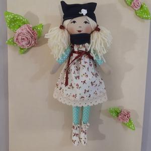 Rózsás ruhás lány, Gyerek & játék, Játék, Baba, babaház, Játékfigura, Baba-és bábkészítés, Ez a babuci rózsás ruhában van,teste és lába kék-fehér pöttyös,\'csizmája\' szintén a rózsás anyagból ..., Meska