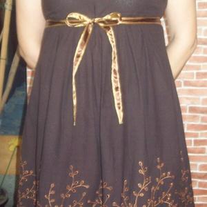 Ruha bordűrös anyagból, Táska, Divat & Szépség, Kismamaruha, Ruha, divat, Női ruha, Ruha, Varrás, Kb. 2 éve varrtam magamnak a képen látható barna ruhát. Sajnos akkor csak erre az egy darabra volt a..., Meska