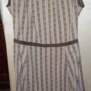 Barna-fehér nyári ruha, Ruha, Női ruha, Ruha & Divat, Varrás, Könnyen kezelhető selyemből készült  nyári tubusruha. \n\nAnyagának mintája barna és ehér hosszában cs..., Meska