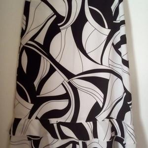 Fehér-fekete mintás zsorzsett szoknya, Ruha & Divat, Női ruha, Szoknya, Varrás, Jó minőségű, fehér-fekete mintás zsorzsettből készült női szoknya. \n\nDerékpánt nélküli, alján két, k..., Meska