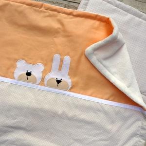 Applikált BABATAKARÓ és párna, bézs-barack, Bear and Bunny (BabyAngel) - Meska.hu